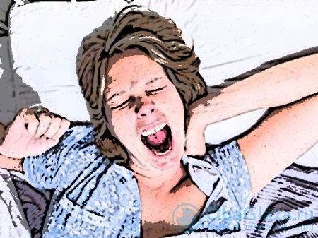 Способы устранения отеков под глазами после сна